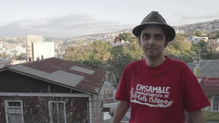 Ernesto Calderón Dondero, director del Ensamble Transatlántico de Folk Chileno