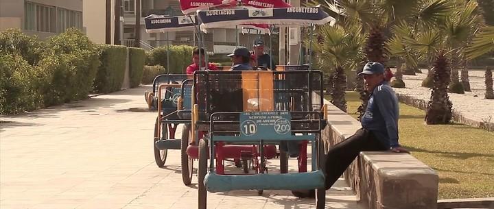 Las anconetas son pequeños triciclos impulsados a pedal que aún se resisten al paso del tiempo