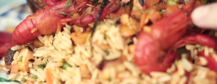 Arroz con mariscos y demás delicias preparadas al instante con insumos recién extraídos del mar