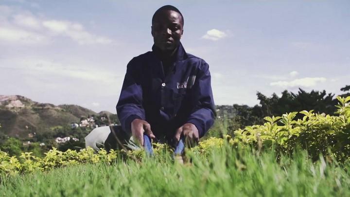 """Yílmar Leonardo González, jardinero, en """"A tu manera"""""""