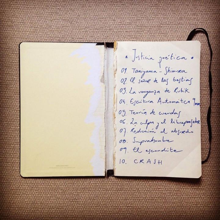 Libro de letras de Justicia poética - Foto: Facebook de Pumuky