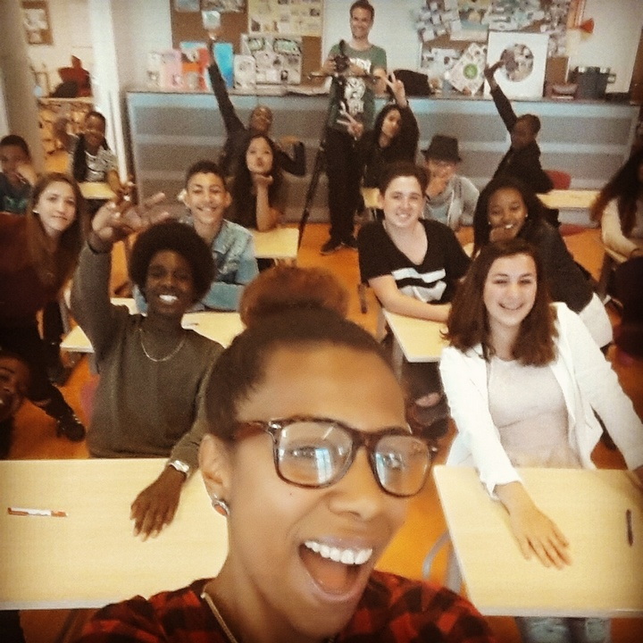 Graziëlla Hunsel con sus alumnos