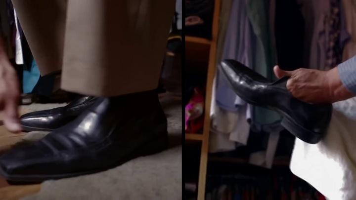 10_se_pone_unos_zapatos