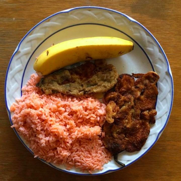 Chiles rellenos y arroz