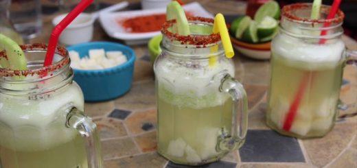 ¡Qué rico! Agua de limón con jícama