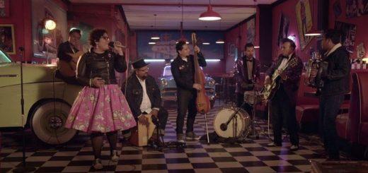 La Santa Cecilia con Rebel Cats - México-americano